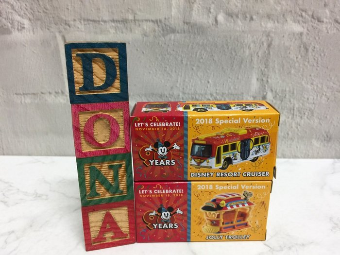 【Dona日貨】日本迪士尼樂園限定 Tomy Tomica 2018年 米老鼠90週年遊園車和歡樂小車 1組2入 B13