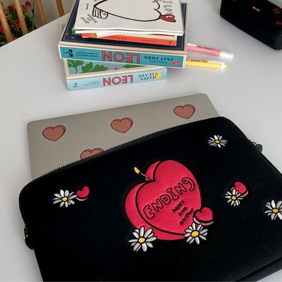 洋碼頭 現貨Mazzzzy韓國設計師款13/15寸筆記本電腦包女加厚14內膽包雛菊 IDEA-181