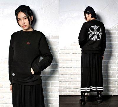 [PURE by TAKI] 十字魂口袋大學T Handwriting Cross Sweatshirts 黑S/M