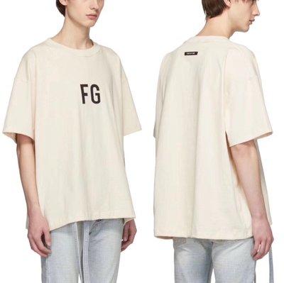 【P+C】FEAR OF GOD 6TH FG LOGO TEE FOG 第六季 短袖T恤 男女 米白色
