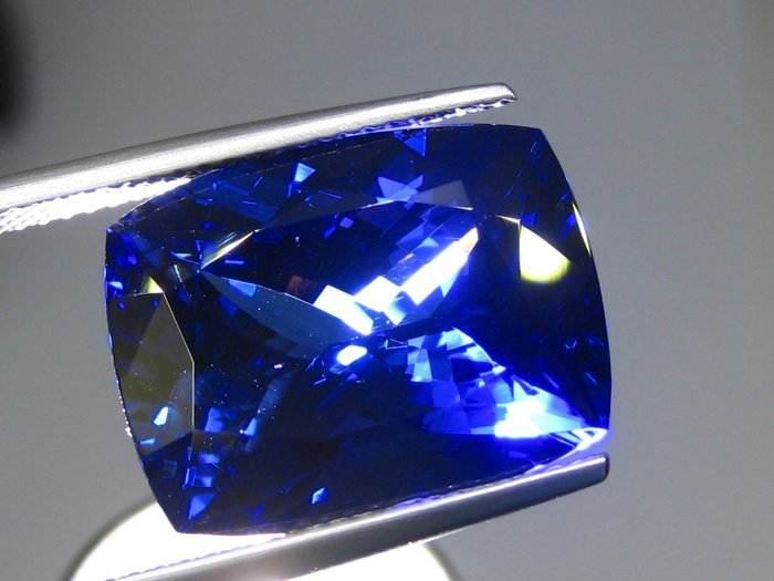 【Texture & Nobleness 低調與奢華】100%天然寶石 天然無燒坦桑石 丹泉石 13.23克拉