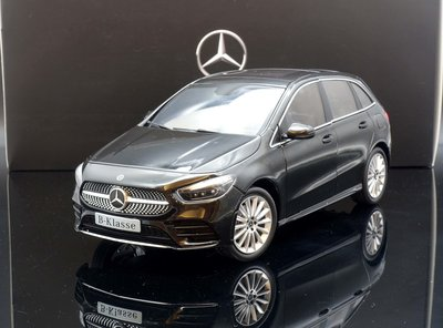 【M.A.S.H】原廠 Z-Models 1/18 Mercedes-Benz B class (W247) black