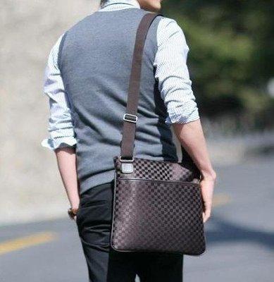 新款韓版帆布格子男包 單肩斜背包 手提男士休閒包 商務包 側背包 後背包(LV GUCCI可參考)