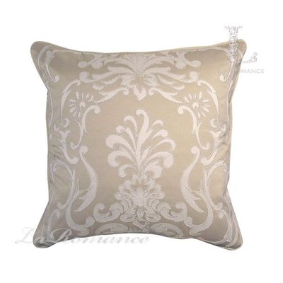 【芮洛蔓 La Romance】 奢華系列白色銀邊歐式圖騰繡花抱枕 - 米色
