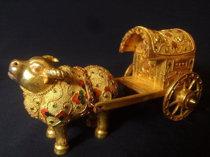 悅年堂 --- 純銀 鎏金 牛車