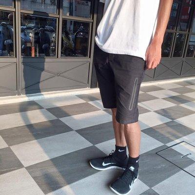 〈 KL kiosk 〉NIKE AS TERRAIN SHORT 614627-010男款 防水口袋 休閒短褲 黑