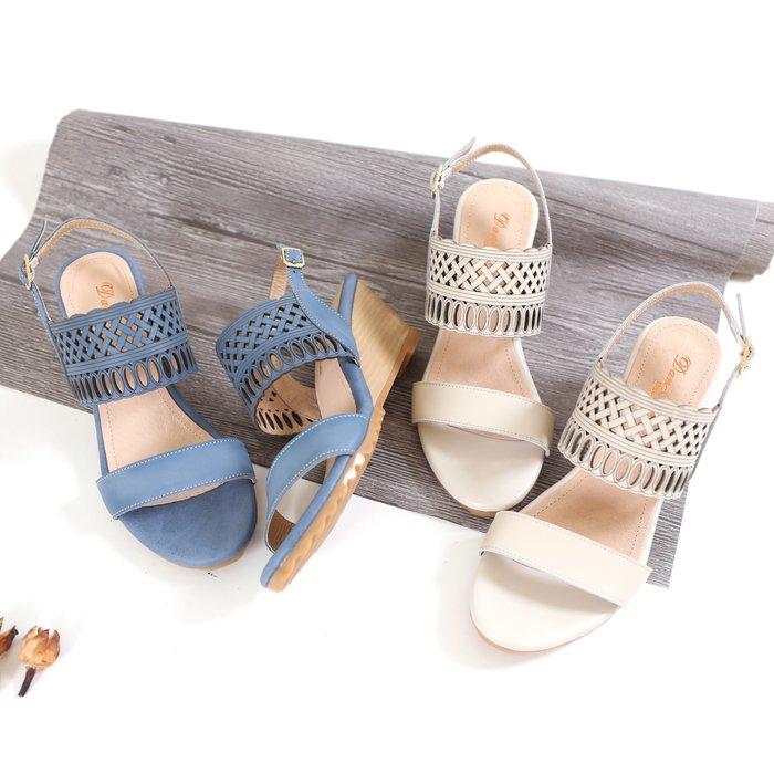楔型真皮涼鞋 5.5公分仿木紋楔形跟 普普風鐳射雕花 厚Q高密度乳膠鞋墊 軟彈好穿好走 MIT台灣手工製 丹妮鞋屋