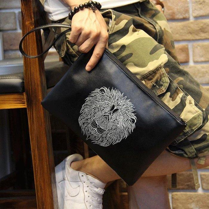 男包 手包獅子頭休閑男士手拿包時尚潮韓版信封包大容量手抓XPBP22