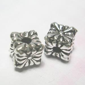 琥珀貓~【925純銀材料配件】造型方珠~N9554~十字鳶尾花~7mm~一個
