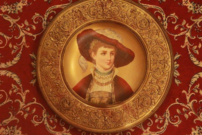 (已售)【家與收藏】特價頂極珍藏歐洲19世紀百年古董名瓷新文藝復興風格優雅貴族人物手繪瓷盤 2