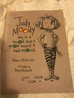 二手英文小說 judy moody was in a mood not a good mood a bad mood