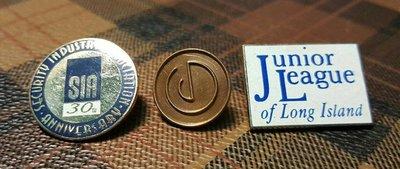 【快樂屋◎199起標..】101《絕版國際老徽章 BADGE》199元  低價起拍...《每組有三枚》....