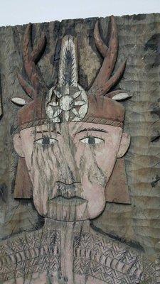 @@六合堂@@來義鄉早期原住民手鑿礦物彩木雕板(台灣紅櫸木)~