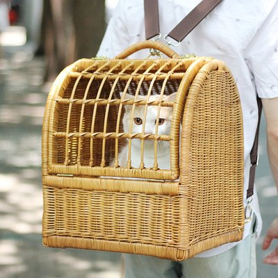 家裡的小怪獸   CATSCITY純手工真藤編織貓咪外出用雙肩包寵物提籃手提包帶鎖貓窩