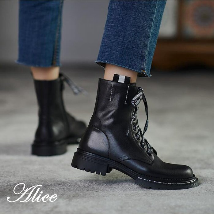 『Alice❤愛麗絲』馬丁靴女新款英倫風秋冬百搭黑色厚底粗跟系帶真皮低跟短靴女