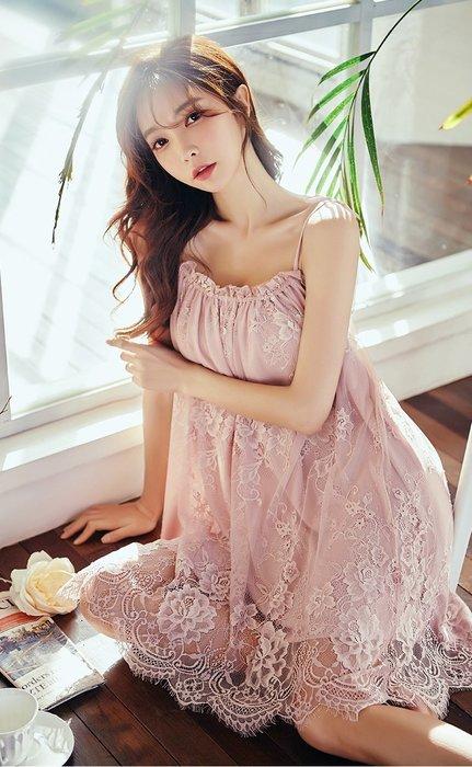 •*~ 辣媽咪衣飾小舖 ~*•❤女裝系列📣R970594性感甜美小公主宮廷風蕾絲系帶吊帶睡衣