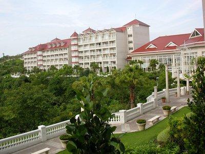 花蓮遠雄悅來大飯店 假日豪華海景房、含兩客歐式自助早餐、迎賓飲料+免費車站接送