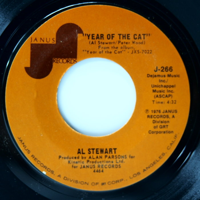 45 rpm 7吋單曲 Al Stewart【Year of the Cat】1976 美國首版 Janus
