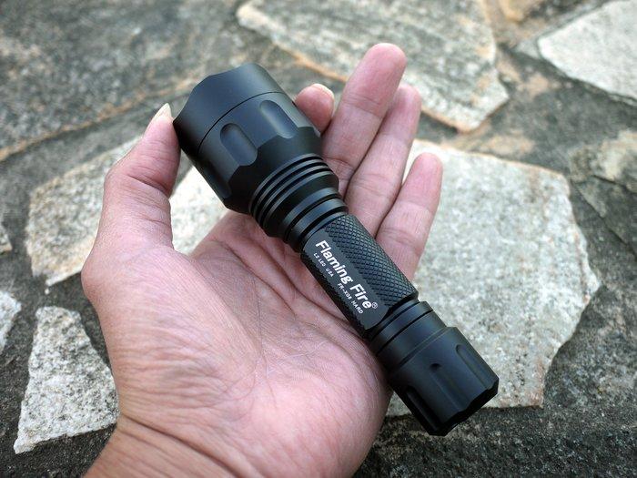 Flaming Fire 硬氧 CREE XM-L2可自定義7135x8記憶電路 FR-XG8 HARD戰術手電筒