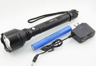 加長˙變焦強光手電筒含電池與充電器整套