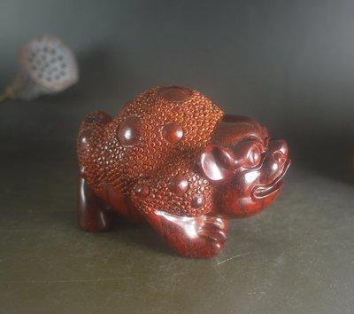 印度小葉紫檀  三腳金蟾 純手工雕刻,油性極佳 手感好 T19