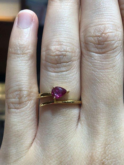 37分天然紅寶石剛玉黃K金戒指,水滴形花式車工,基本簡單款式適合平時配戴,精選商品出清價6980元