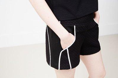ICHE 衣哲 厚鋪棉立體菱格紋滾邊造型短褲