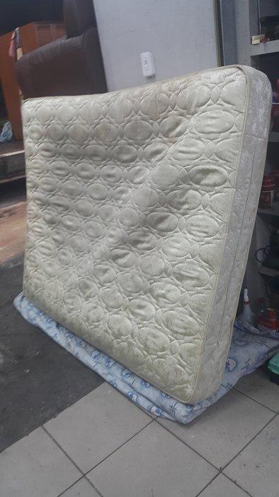 樂居二手家具 家電 全新中古傢俱賣場 B1107BJE 雙人獨立筒床墊*5尺獨立筒床墊 五尺床墊 彈簧床 套房家具拍賣