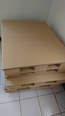 紙棧板 7 個 110X90CM  新的 多買的確定用不到了 .....