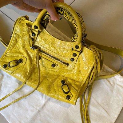 (低價出清)  Balenciaga 經典款鮮黃色仿舊小city包