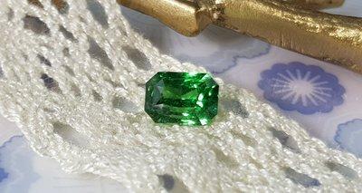 揚邵一品 (附國內外雙證書)1.67克拉沙弗萊石 天然無燒 VIVID GREEN,媲美頂級祖母綠沙佛萊
