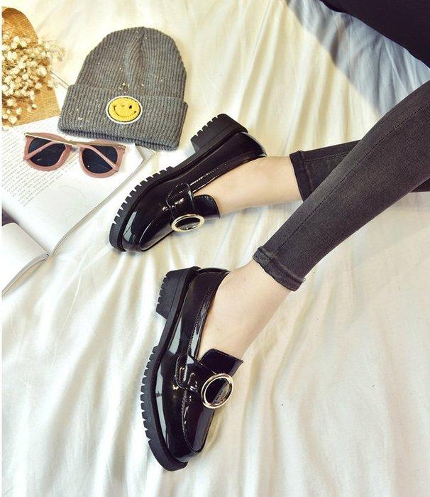 FINDSENSE MD歐美 時尚 潮 女 復古 圓環 休閒  真皮涼鞋 平底涼鞋 沙灘鞋