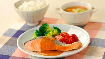 【禧福水產】智利鮭魚切片/特A鮭魚薄切4p/原味◇$特價169元/300g±10%/包◇便當燒烤日本居酒屋餐廳團購可批