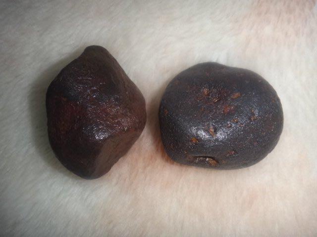 全真寶石坊~~{618}☆☆能量礦石☆西藏能量天鐵隕石原礦~淨重310公克*二個一起標
