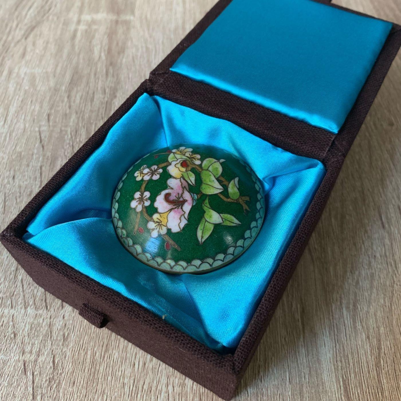 早期收藏-景泰藍 掐絲琺瑯 綠地花卉小扁圓盒008