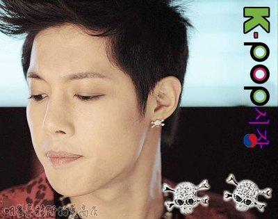 K-POP Market。韓國큐빅해골耳飾 正韓進口ASMAMA官方正品 金賢重 同款時尚立體鑲鑽骷髏耳釘耳環(單支價)