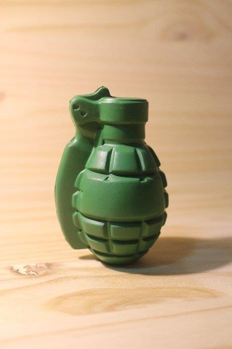 (I LOVE樂多)日本進口 手榴彈趣味造型壓力球 數量不多請把握 綠兵 玩具總動員