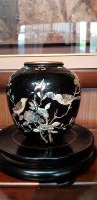 宏順茶苑(梵德藝術)日本典藏版手工鑲貝銅器花瓶 $1800  藝術品
