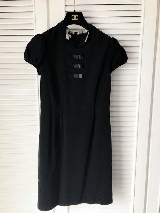 scottish house 黑色小蝴蝶結🎀胸飾短袖洋裝👗