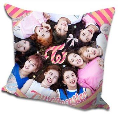 現貨!TWICE 全體 周子瑜 娜璉 Momo 抱枕 靠墊 枕頭,40x40cm,緞紋布,色彩鮮豔,印製精美。F款