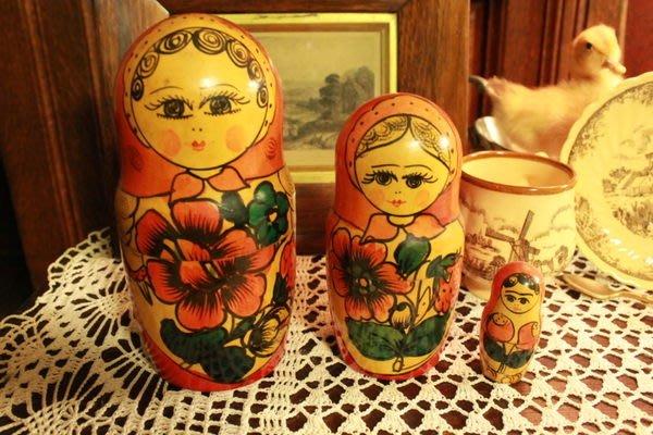 【家與收藏】賠售特價稀有珍藏手工手繪木作古董俄羅斯娃娃擺飾/3件組4