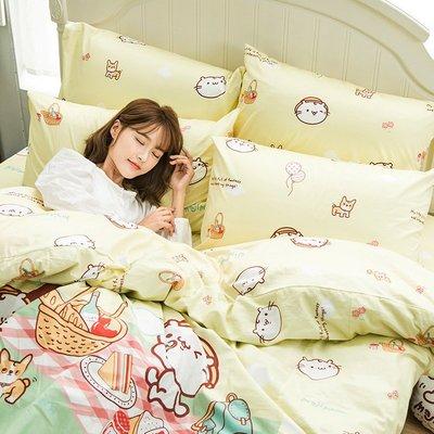 床包兩用被組 / 雙人加大【麻吉貓野餐派對米】含兩件枕套 鋪棉兩用被 100%精梳棉 戀家小舖AAL315
