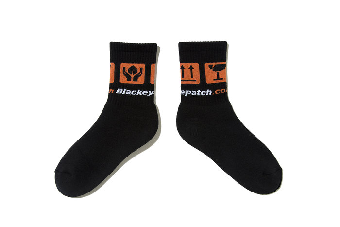 "[ LAB Taipei ] BlackEyePatch ""HANDLE WITH CARE SOCK"" (Black)"