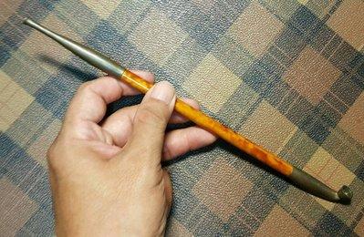 【藏家釋出】早期收藏◎早期收藏老煙具...老銅嘴,竹桿身上有漂亮的似斑竹紋,保存良好  全長約25cm .....