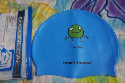 Kini泳具*聖手矽膠泳帽-藍底插畫隨筆小綠怪pea brain-防水膠帽-特價190元(附收納袋/100%矽膠)