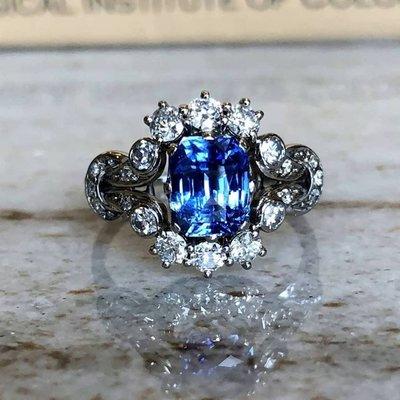 星宇宝藏珠寶設計-作品藍冰女王,純18K金戒指 2.04克拉無燒錫蘭矢車菊藍寶石 天然美鑽 (如設計需求請私訊揚邵一品)