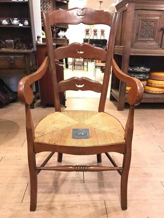 【卡卡頌 歐洲跳蚤市場/歐洲古董】※活動特價※德國老件_胡桃木 雕刻 麥稈扶手椅 休閒椅 主人椅 提供租借ch0068✬