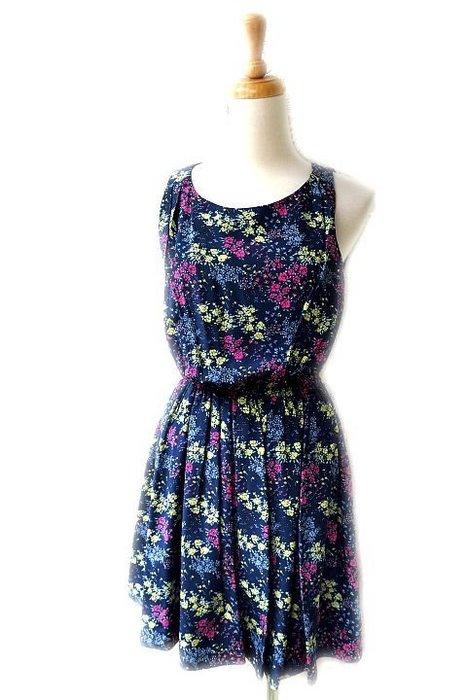 *Beauty*Juicy couture藍底桃紅碎花背心洋裝  0號  售3990元 WE17加圖