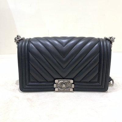 Chanel Boy 25 山形紋 羊皮 復古銀釦 黑色《精品女王全新&二手》