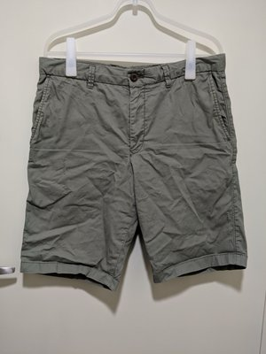 Uniqlo 短褲 五分褲 軍綠 M號